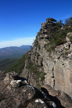 The Grampians are like an island in the middle of the plains of western Victoria, the last significant expansion of the Great Dividing Range